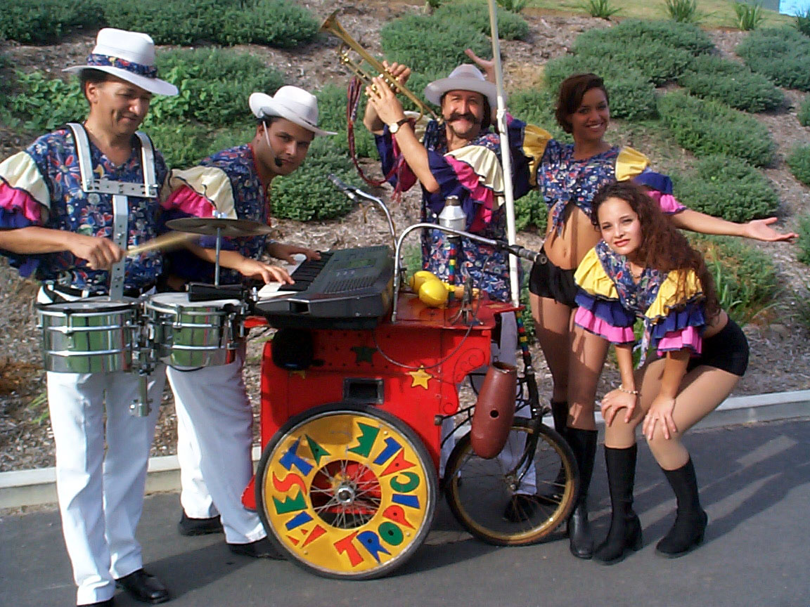 "Roving / strolling / walk act: ""Band On Wheels"""